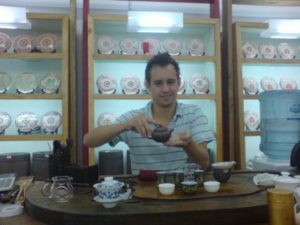 Richard learnt Chinese by taking a tea course and practicing Chinese in a tea shop. Chinese and English both love Tea!